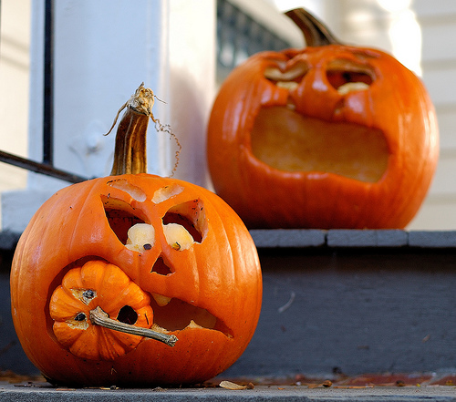 2 halloween pumpkin carving ideas | Creative Ads and more…