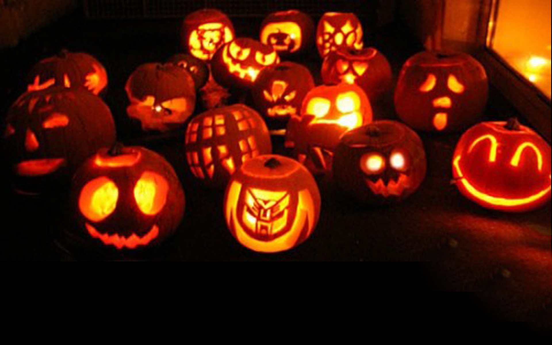 creative halloween pumpkin carvings - Cool Halloween Carvings