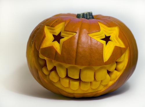 Smiley face halloween pumpkin carving creative ads u