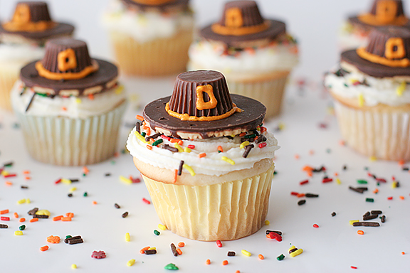 Thanksgiving pilgrim cupcakes creative ads and more for Creative cupcake recipes and decorating ideas