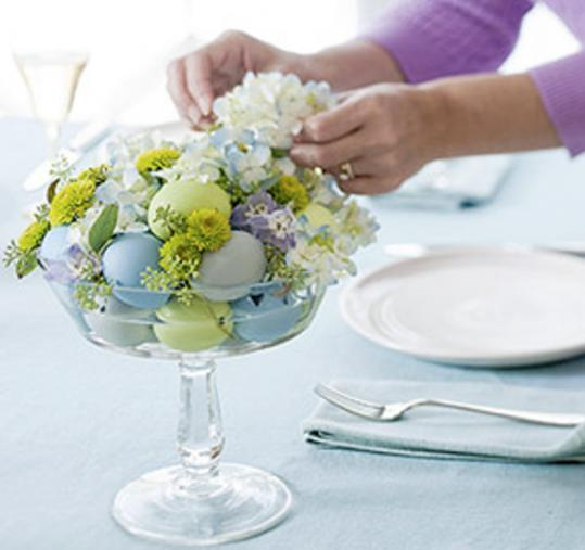 Decoration idea for easter table creative ads and more - Easter table decorations meals special ...