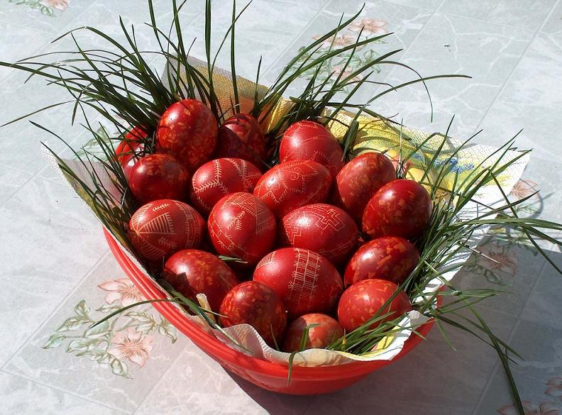 Egg Decorating Ideas to Welcome Easter!