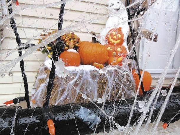 halloween home decor ideas cobwebs