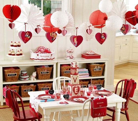 romantic valentines day table setting creative ads and more. Black Bedroom Furniture Sets. Home Design Ideas
