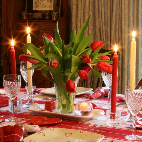 Valentine S Day Table Setting With Flowers Creative Ads