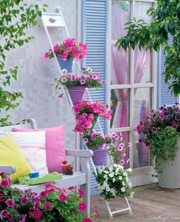 Colorful garden decorating idea creative ads and more for Colorful backyard decorating ideas