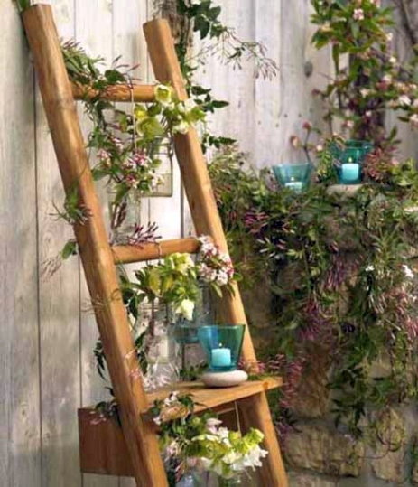 Old Wooden Ladder Decorating Ideas