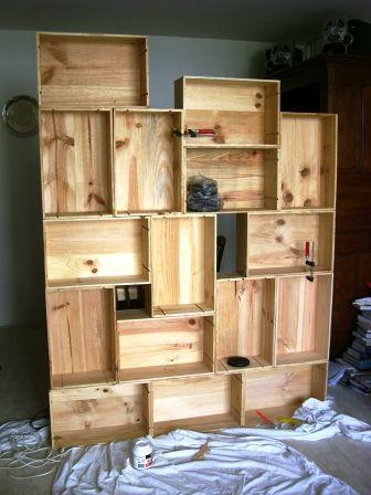 DIY Wine Crate Bookshelf