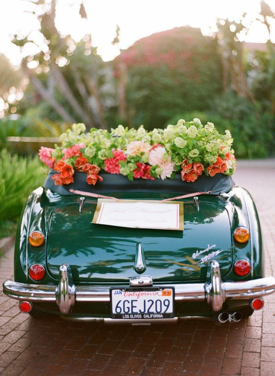 Vintage themed wedding car decoration creative ads and more for Automobile decoration