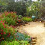 Creative garden landscaping idea(14)