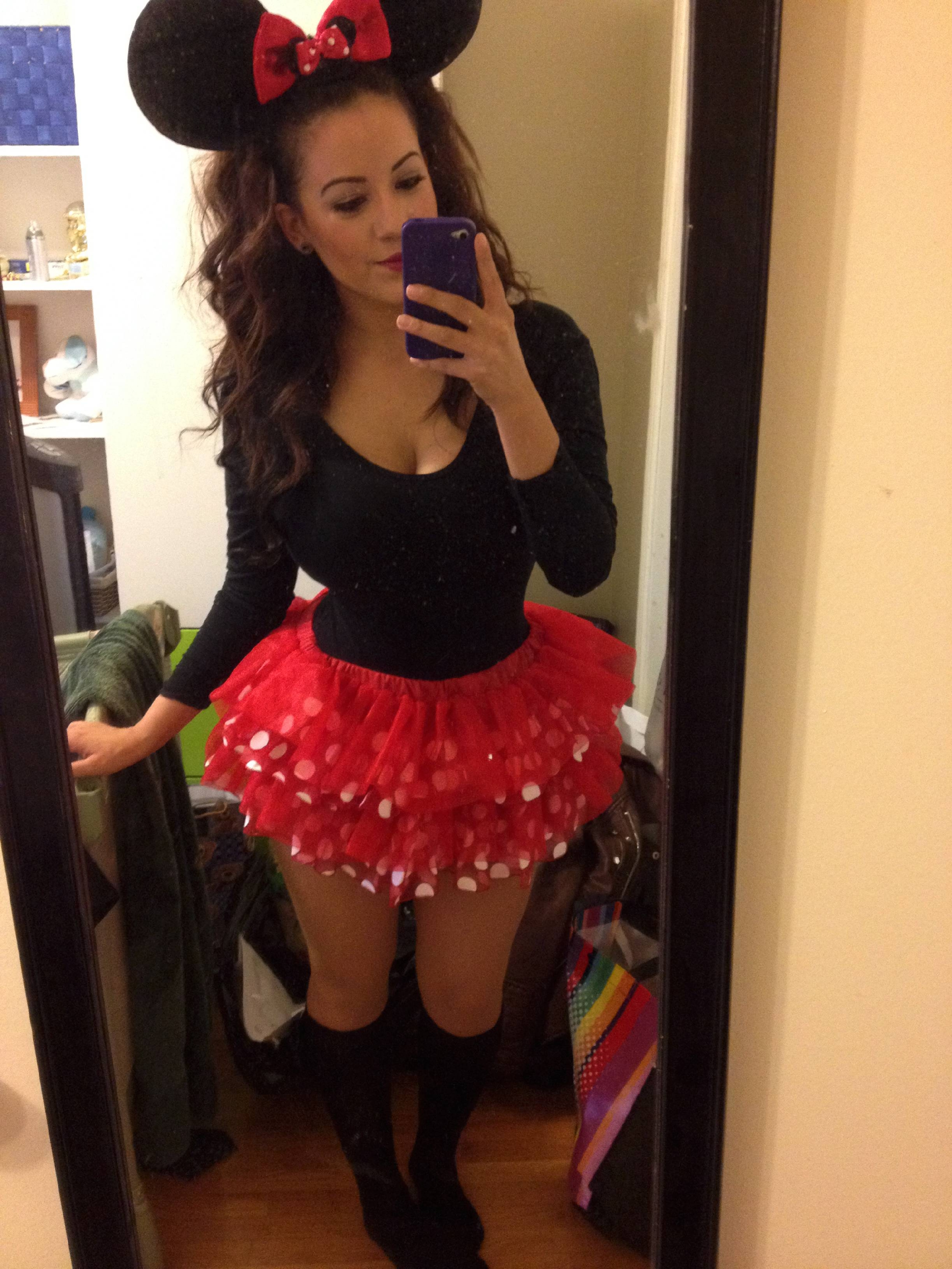 Teen girl slutty halloween costume pic, redhead big feet