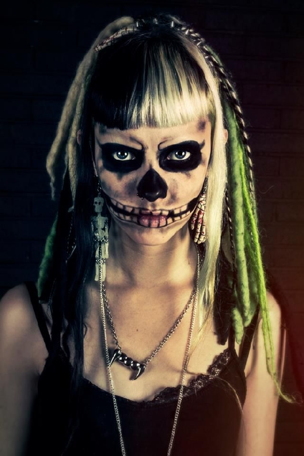 Zombie-girl-halloween-makeup-idea | Creative Ads And Moreu2026