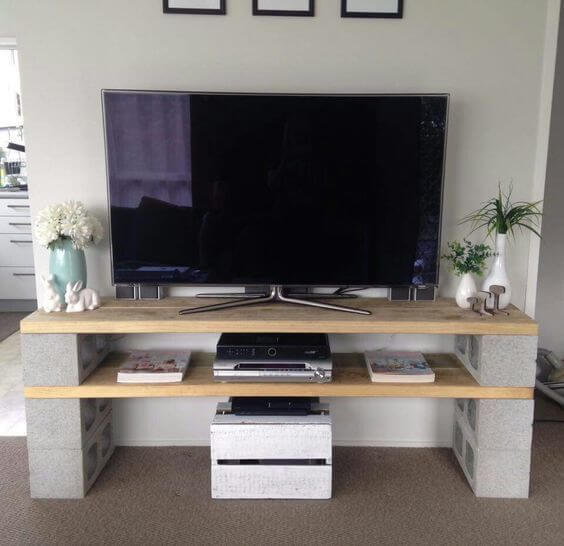 Basic diy tv console creative ads and more for Aquarium meuble tv