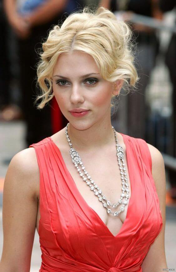 Gorgeous Scarlett