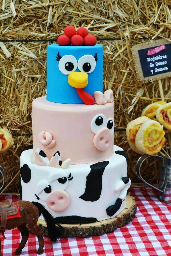 Farm Animal Cake From Antojitos