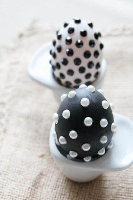 Black And White Easter Eggs Decoration Idea