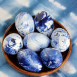 DIY Marbled Indigo Easter Eggs Idea