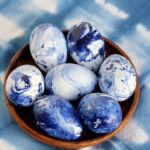 DIY Marbled Indigo Easter Eggs Idea