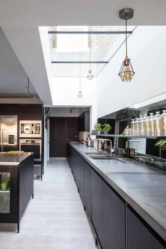 Black Modern Kitchen Idea