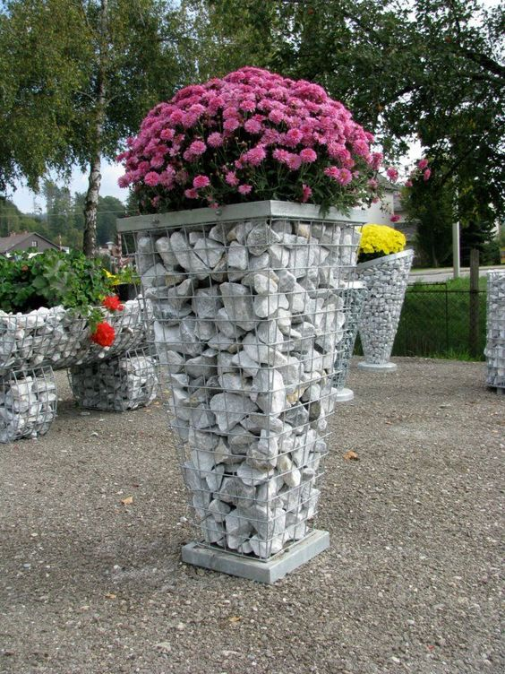 Wire Mesh And Stones Idea