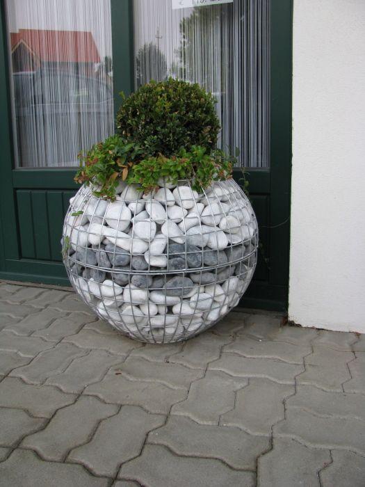 Wire Mesh And Stones Idea 2