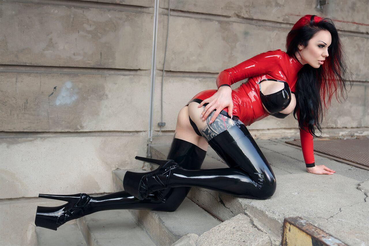 Fiery Hot Red Latex Mixed With Black By Starfucked