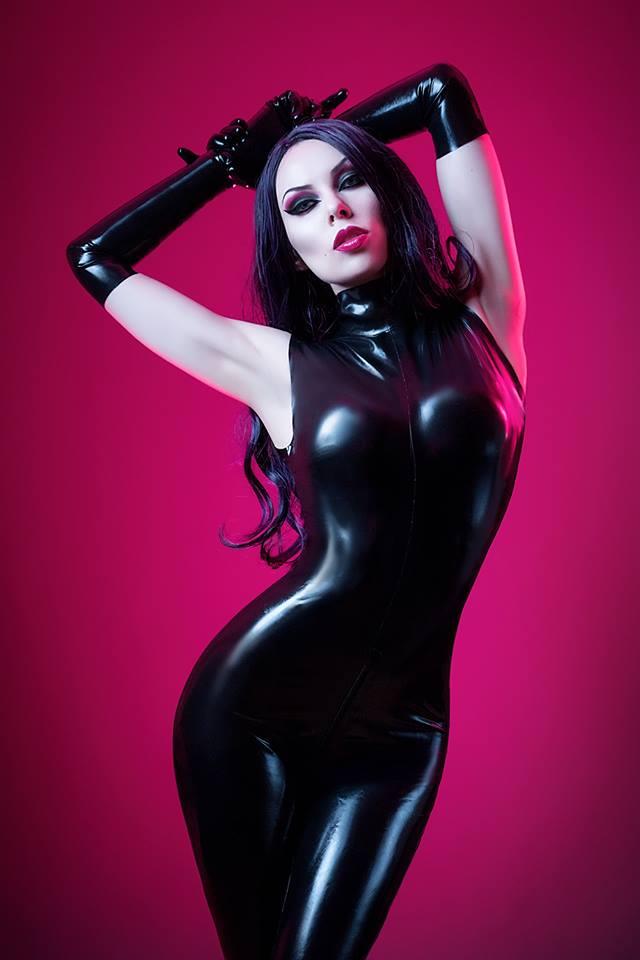 Annet Morningstar Latex Black Cat
