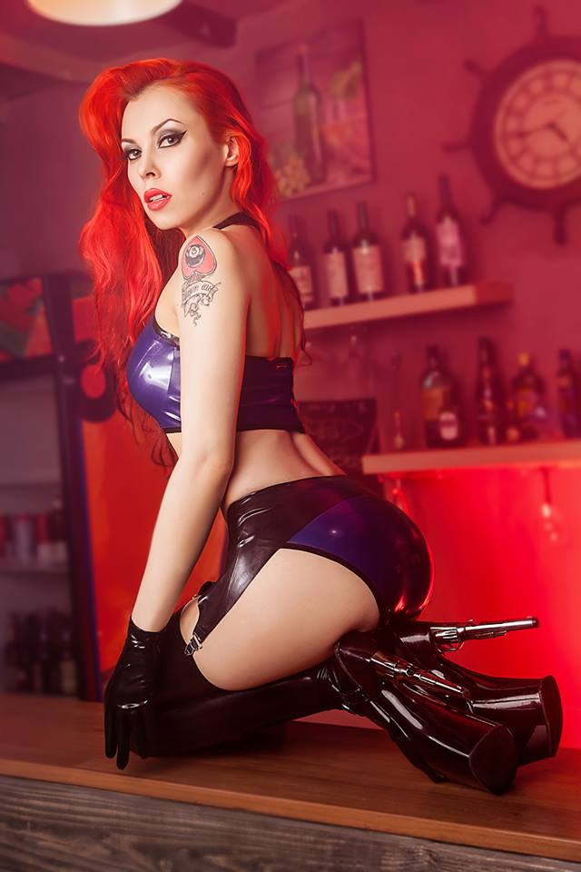 Annet Morningstar Latex Outfit