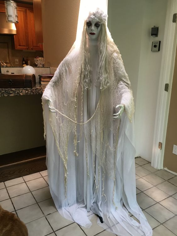 Creepy Halloween Bride Decoration