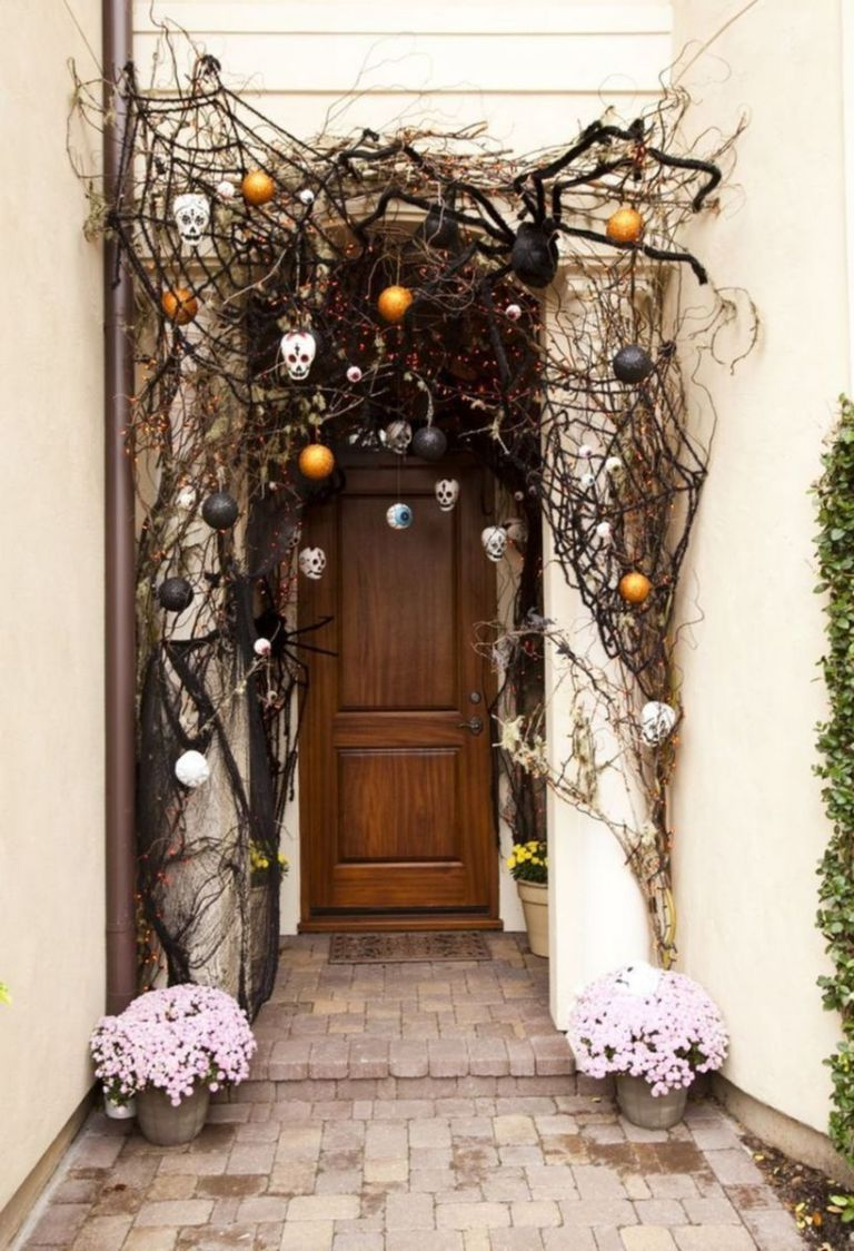Front Door Hanging Skulls Decoration