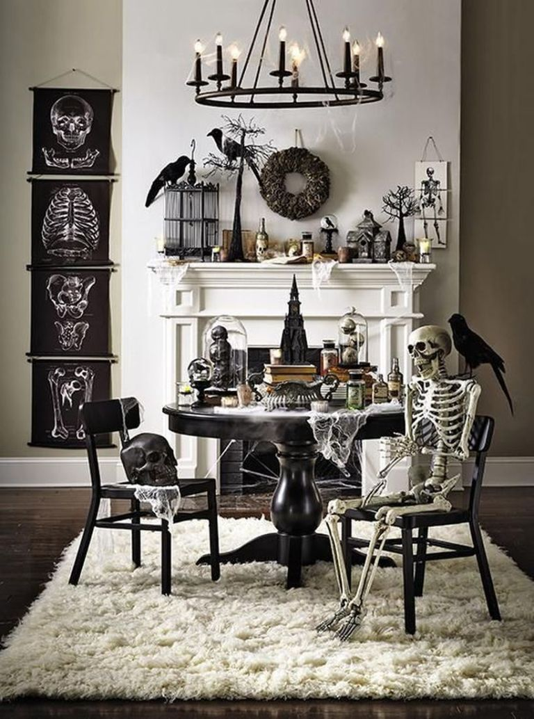 Living Room Halloween Decoration Idea