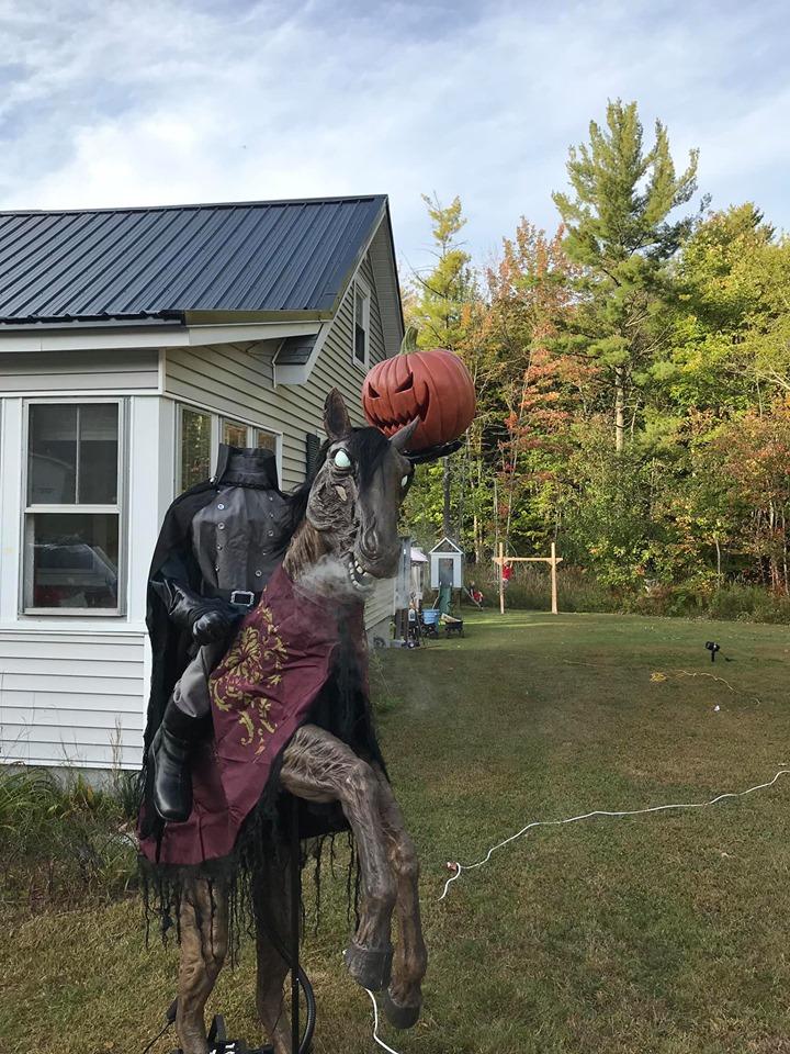 Yard Decorations For Halloween