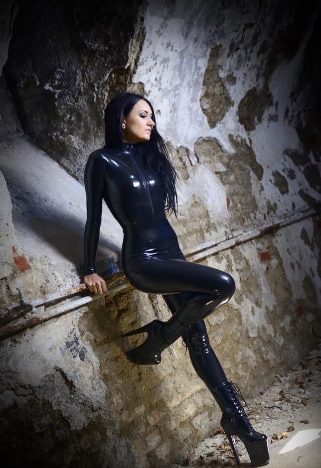 Bella Isadora 12