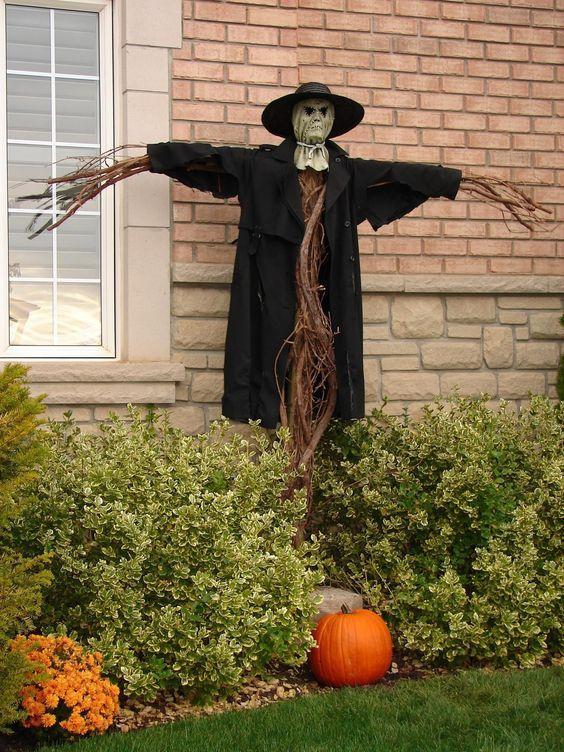 Outdoor Scarecrow Halloween Decoration